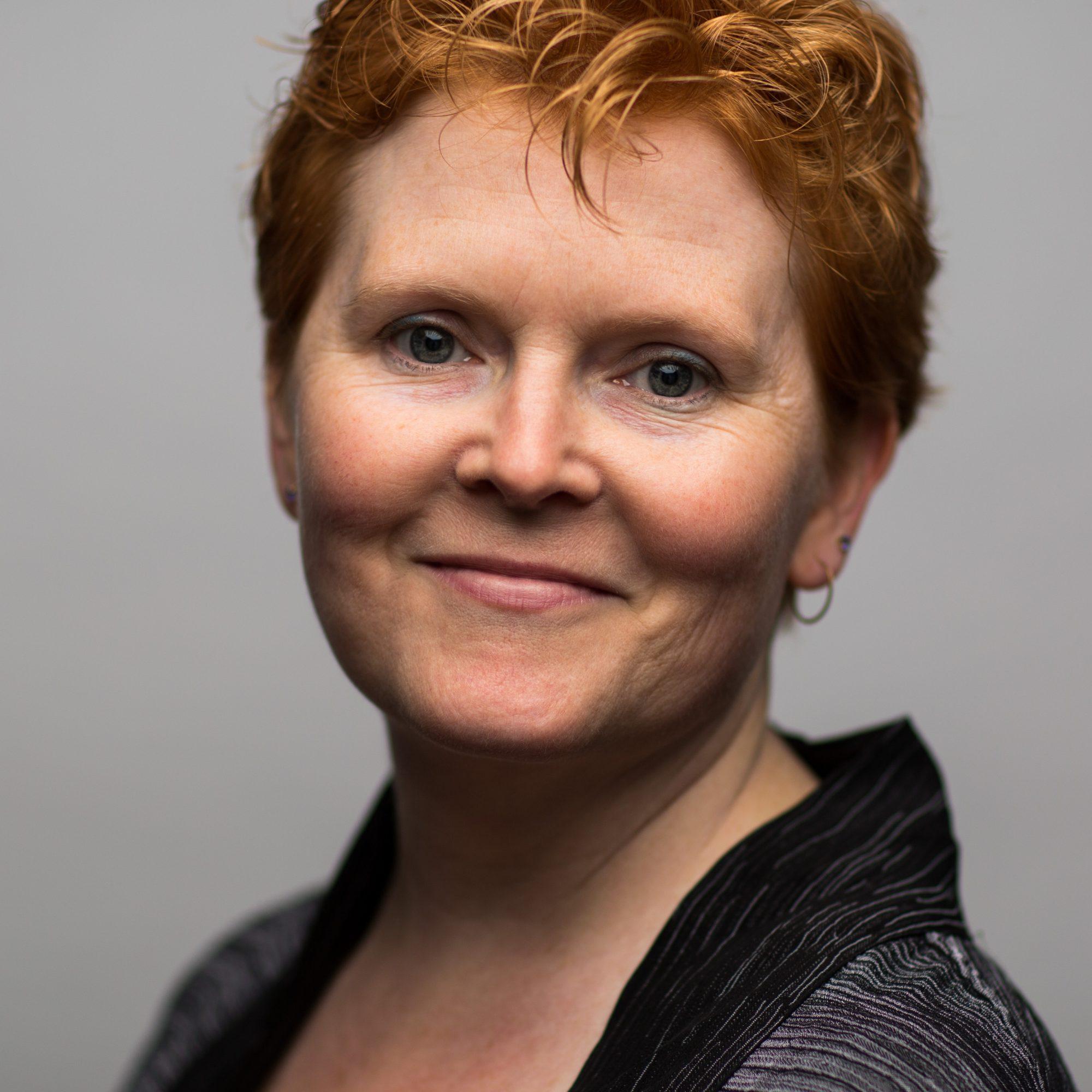 Laura Davis headshot